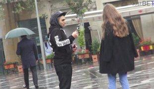 Bakı'da sosial eksperiment -Qızlar iPhone qarşılığında nəyə razı olar?